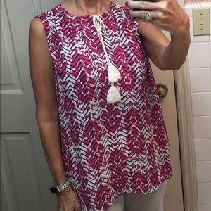 Sleeveless blouse size large